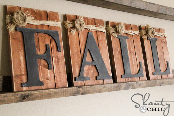 Fall pallet and chalkboard sign - Decorating your home for autumn doesn't have to break your bank. Here are 25 of the prettiest DIY Fall Decor Projects that you can create yourself for a fraction of the cost.  These are my favorite picks for the best rustic farmhouse decor for fall!