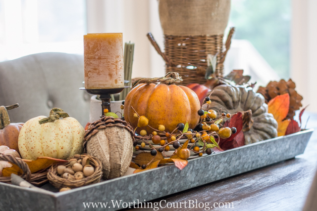 Farmhouse fall table centerpiece - Decorating your home for autumn doesn't have to break your bank. Here are 25 of the prettiest DIY Fall Decor Projects that you can create yourself for a fraction of the cost.  These are my favorite picks for the best rustic farmhouse decor for fall!