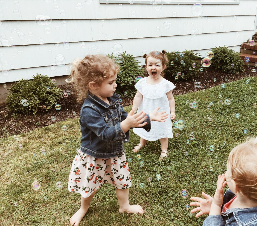 bubbles + farmhouse birthday party on a budget boys girls indoor outdoor