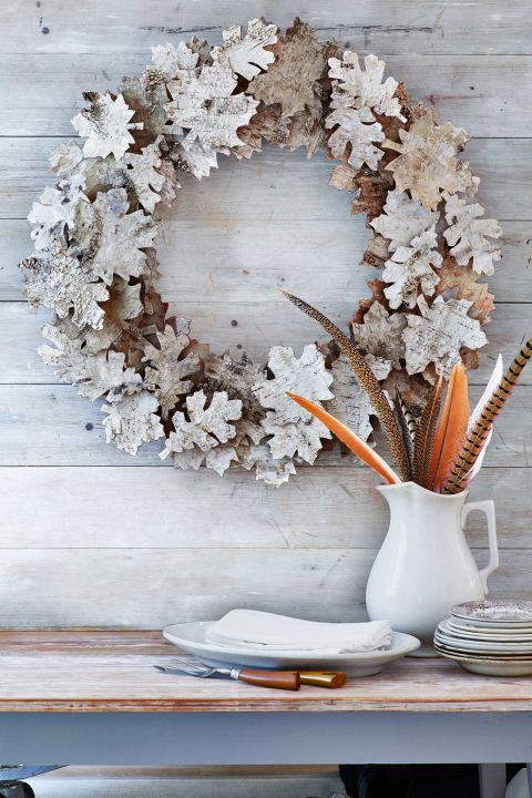 DIY Fall wreath with dry leaves spray painted white