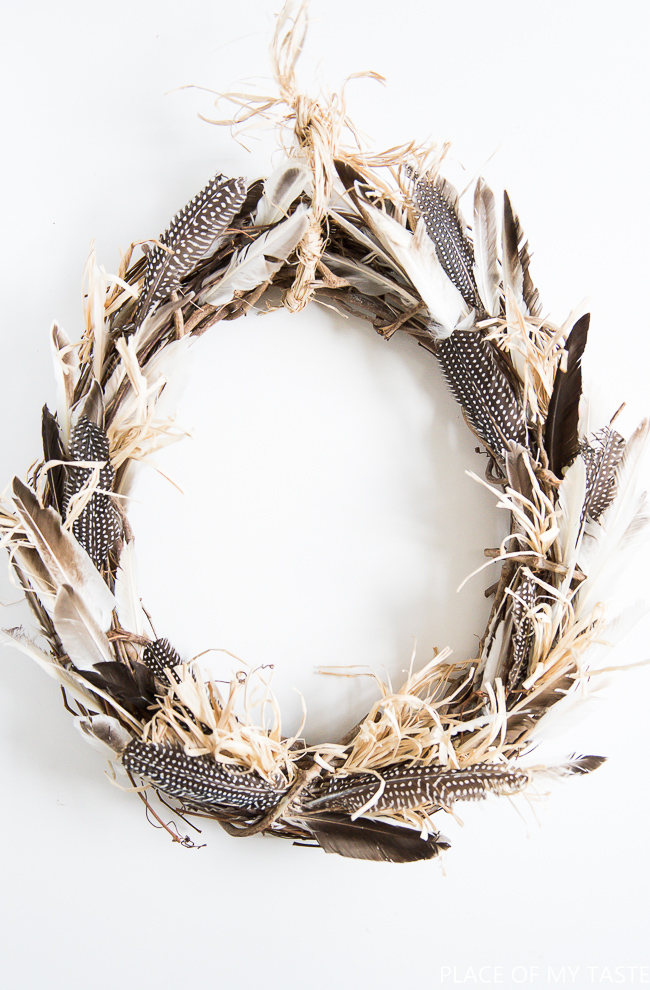 DIY fall wreath, boho style with cornstalks and feathers
