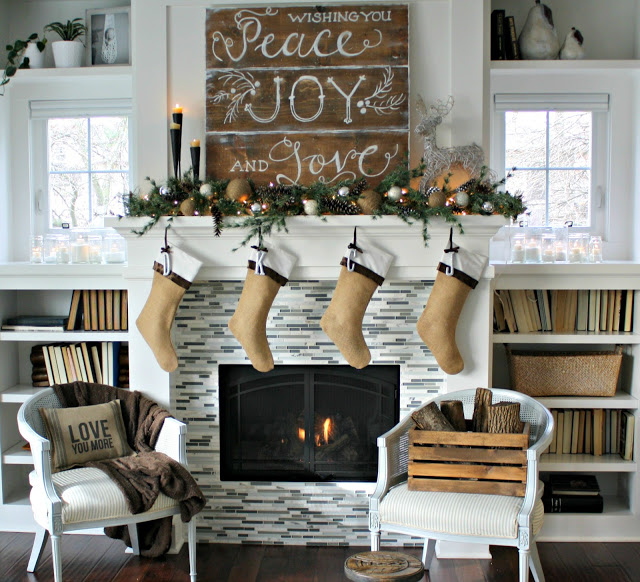 30 rustic farmhouse christmas decorating ideas - Farmhouse Christmas Decorating Ideas