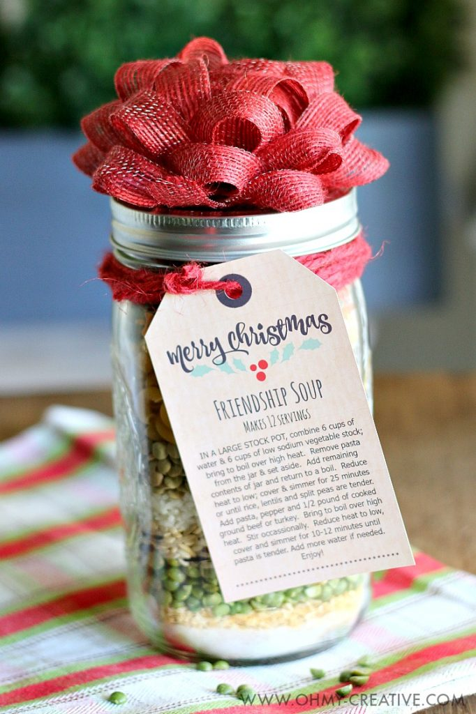 Friendship soup mason jar DIY Christmas gift with printable recipe and red burlap bow on top