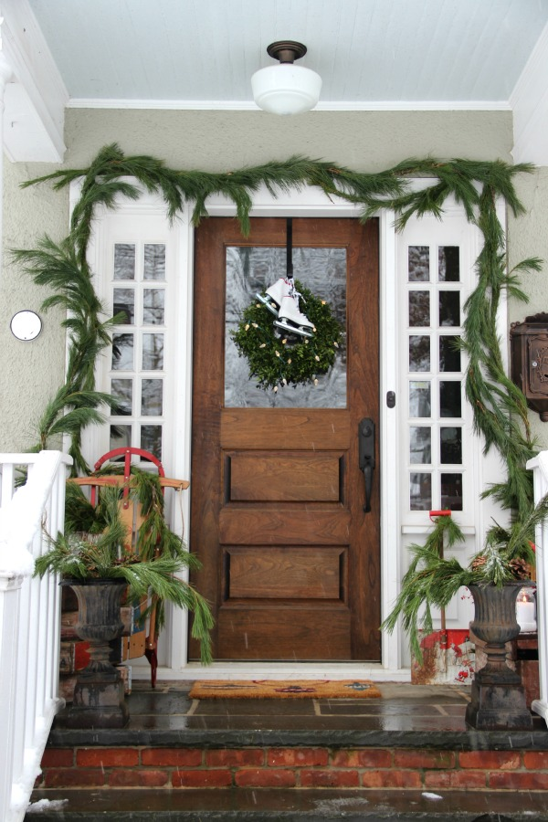 30 Rustic Farmhouse Christmas Decorating Ideas A Hundred