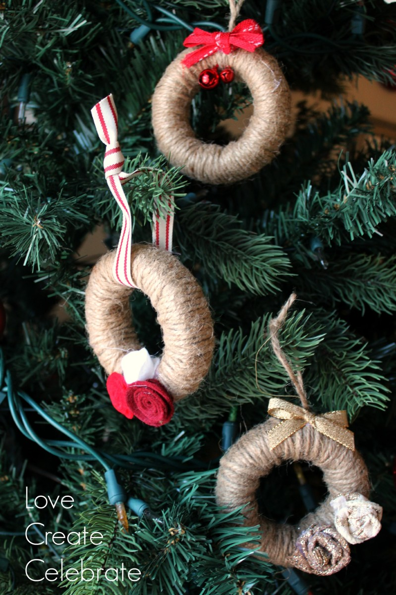 DIY farmhouse jute string Christmas tree ornaments wtih rosettes and ribbons