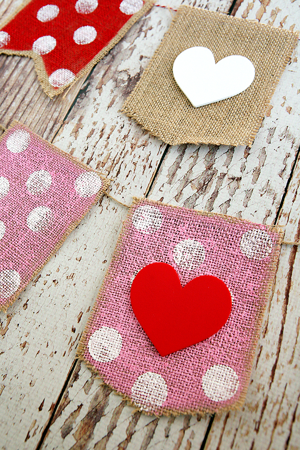 30 Farmhouse Valentines Day DIY Decor Projects A