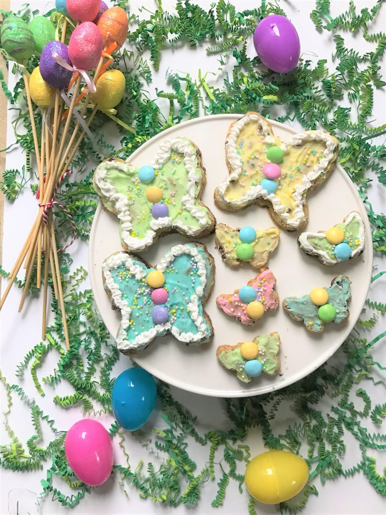 "Are you ready to welcome spring?  These butterfly chocolate chip Easter cookies made with Nestle Tollhouse Cookie Dough are a super-fun way for you and your family to say, ""Oh, hello spring!"""