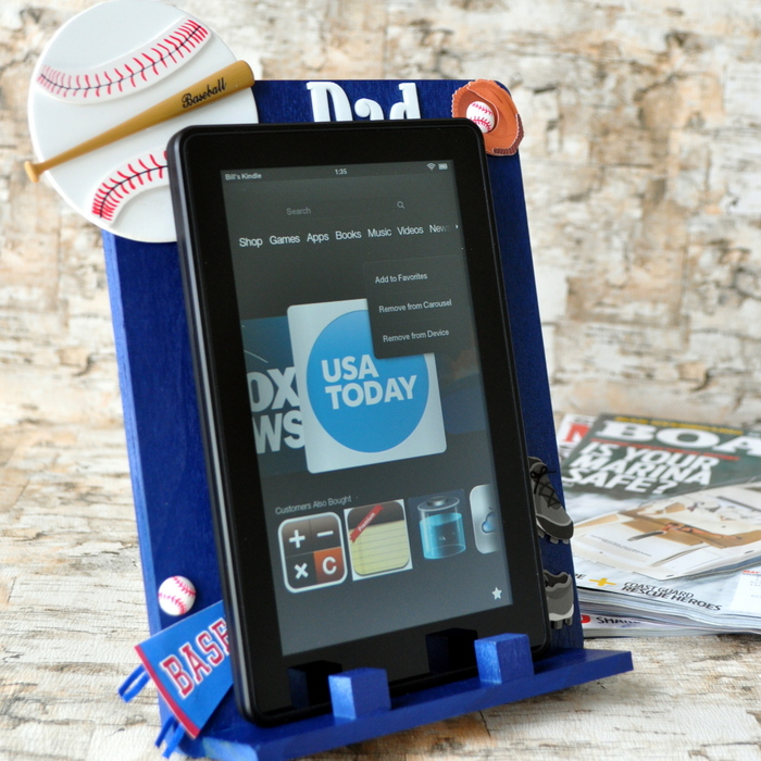 DIY E-reader stand - I don't if anything warms the heart quite like a homemade gift from your kiddo! Father's Day is no exception - here are 25 homemade Father's Day gifts from kids  - and ones that Dad can actually use!  Keep reading to check them out!