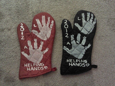 hand print oven mits for grandma - With Mother's Day right around the corner, we can't forget the special woman who started it all - Grandma! Kids are so fortunate if they have a grandma in their lives. These Mother's Day crafts for Grandma are such a heartfelt way to show her some well-deserved love!