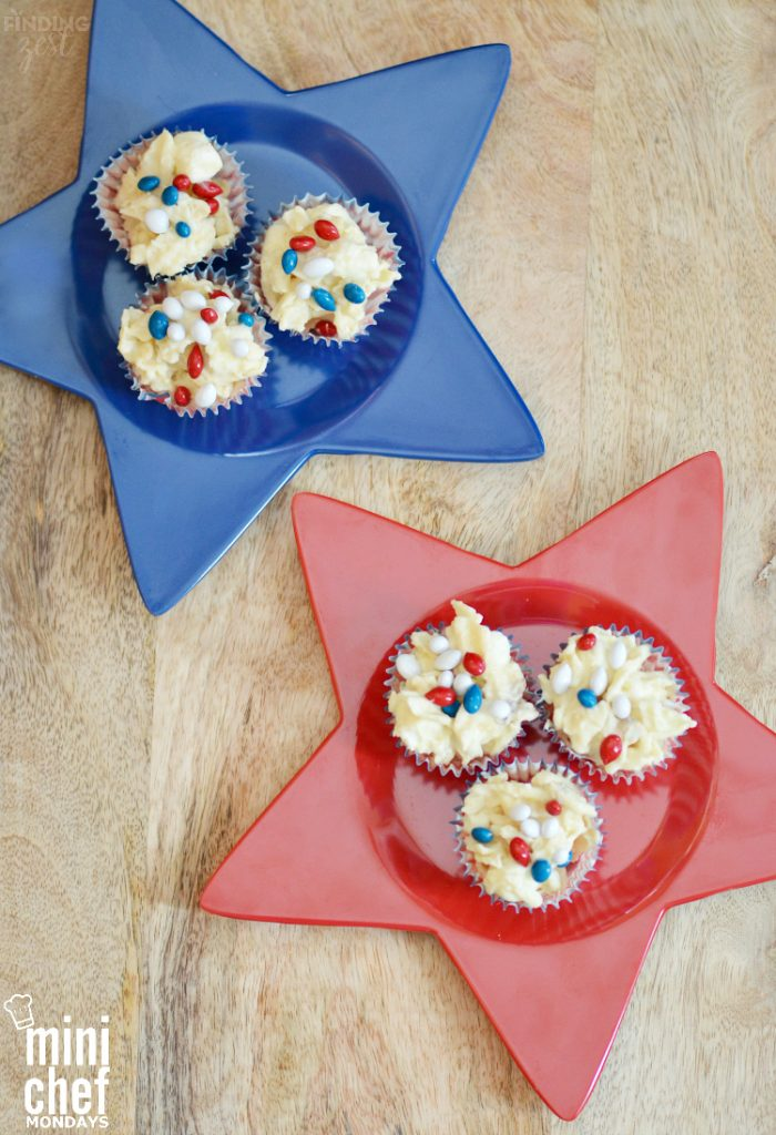 Patriotic Potato Chip Candy - potato chips with red, white, blue candy on top in cupcake holders