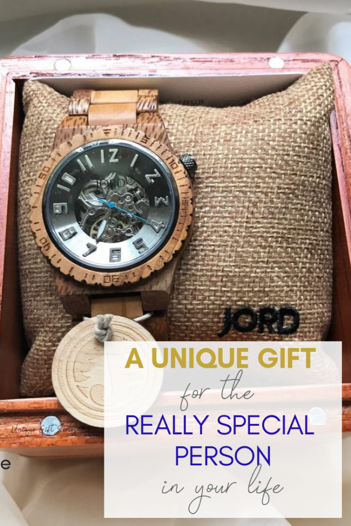 Jord Wood WAtches - If you're looking for a meaningful gift that is unique and personal, here are 12 ideas for everyone on your list! Keep reading for can't-fail gifts!