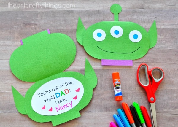 Green alien printable Father's Day card template