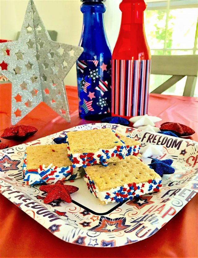 red white blue graham cracker sandwich close up patriotic table decorations