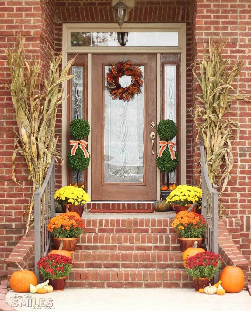 Fall Front Entrance: 30 Fall Porch Decorating Ideas (+ Top 10 Pro-Decorating