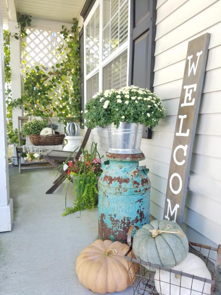 30 Fall Porch Decorating Ideas (+ Top 10 Pro-Decorating