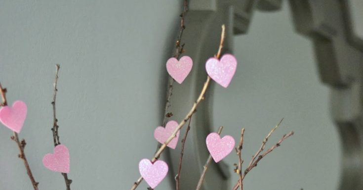 DIY Valentine's Day Heart Tree
